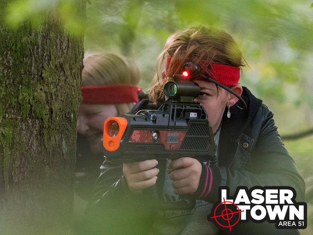 Piger spiller også lasertag / lasergame